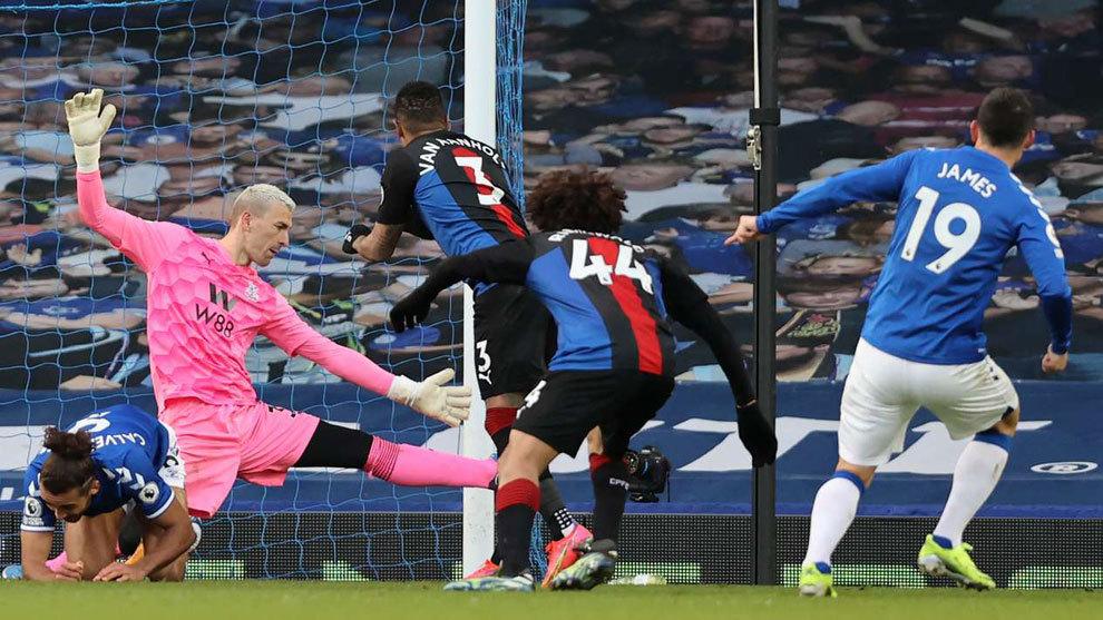 El Everton no rentabilizó el gol de James y pierde dos puntos ante el Crystal Palace