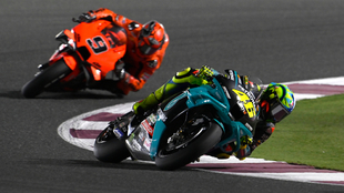Rossi, perseguido por Petrucci.