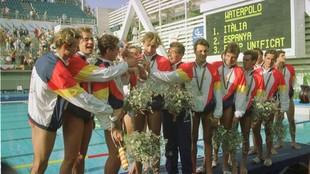 La selección española de waterpolo, en el podio de Barcelona 92