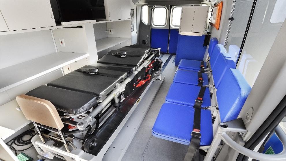 El interior de la clínica móvil cuenta con aire acondicionado y filtros HEPA4 para controlar la salubridad del aire. toyota Toyota y Cruz Roja crean una 'clínica' propulsada por pila de combustible 16178046662482