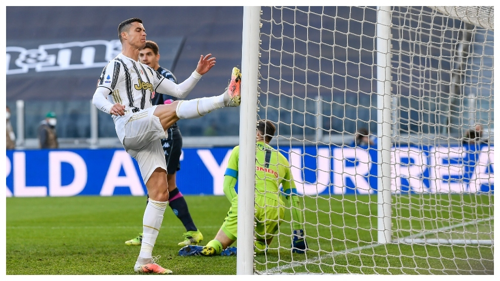 Juventus secure vital win over Napoli in race for Champions League qualification