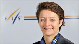 Sarah Lewis se postula para relevar a Kasper al frente de la FIS.