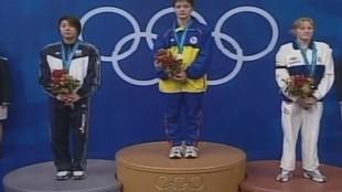 Nina Zhivanevskaya, en el podio de Sidney 2000