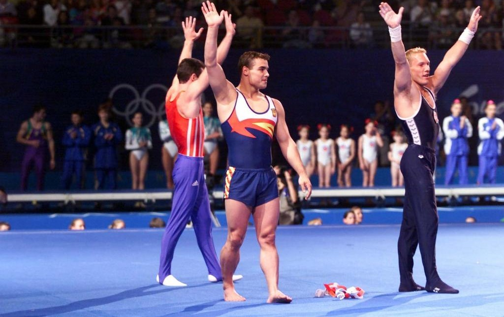 Los tres medallistas en salto de Sidney 2000