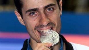 Gabriel Esparza, con su medalla de plata