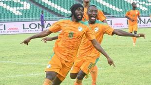 Gervinho, en acción con Costa de Marfil.