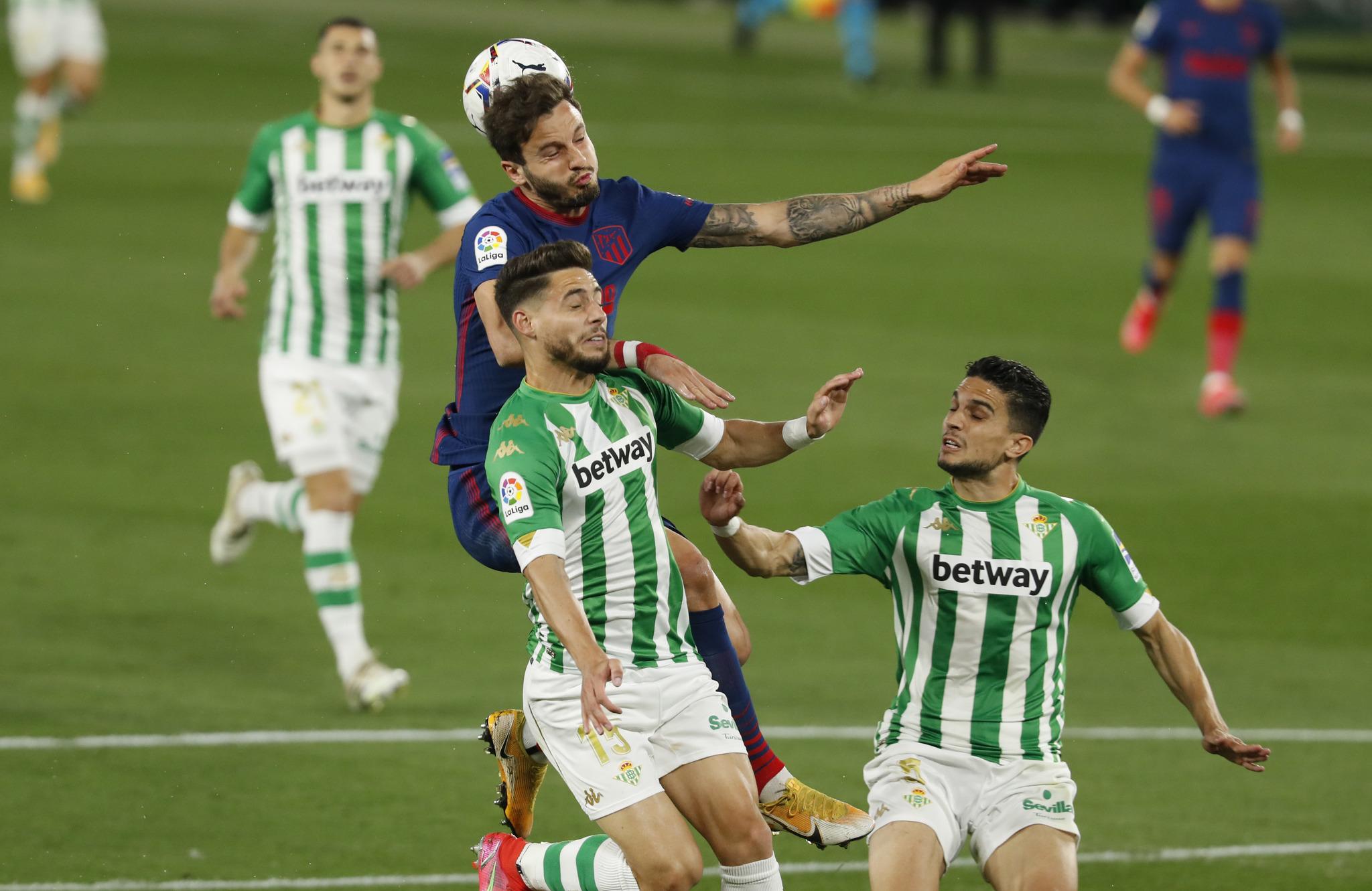Bartra, durante el partido frente al Atlético