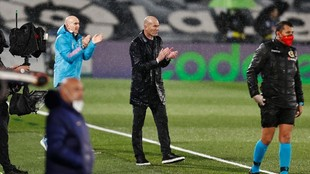 Zinedine Zidane during Real Madrid's Clasico victory against...