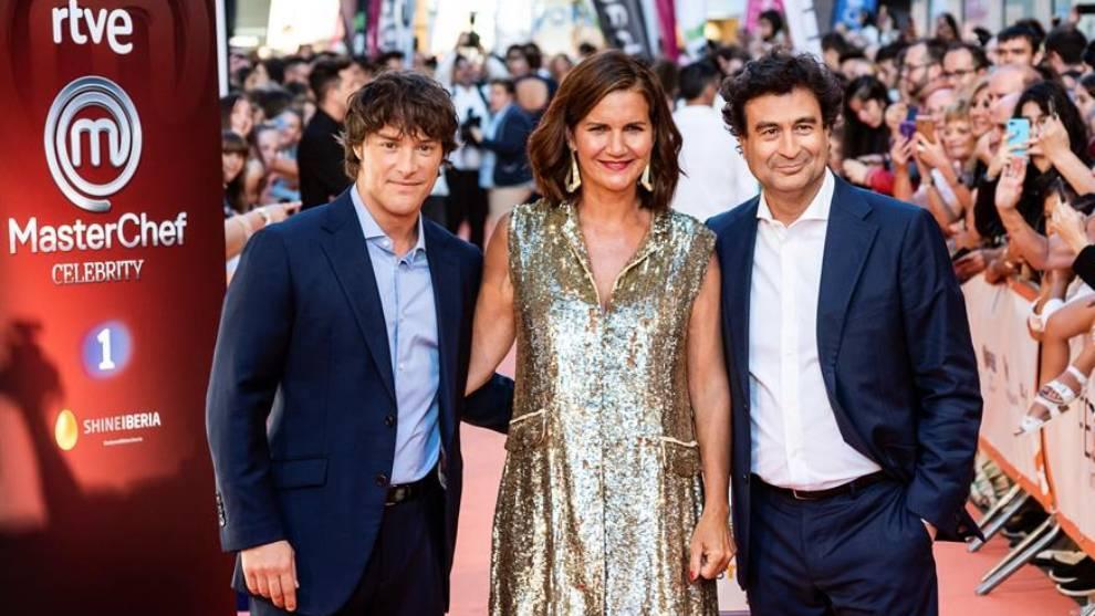 El jurado de MasterChef, Jordi Cruz, Samantha Vallejo-Nágera y Pepe Rodríguez, posan para los medios /