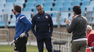 Un cariacontecido José Gomes durante el partido de La Romareda de...