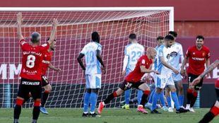 Mollejo celebra el segundo y definitivo gol del Mallorca al Lugo este...