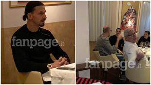 Ibrahimovic, en el restaurante con amigos.