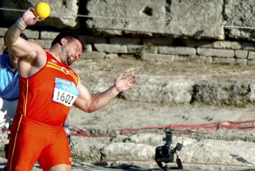 Manolo Martínez, en acción en Olimpia