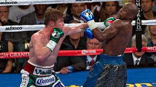 Canelo Álvarez vs Floyd Mayweather pelea completa
