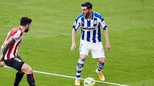 Lucas Pérez fue titular en el empate del Alavés en San Mamés