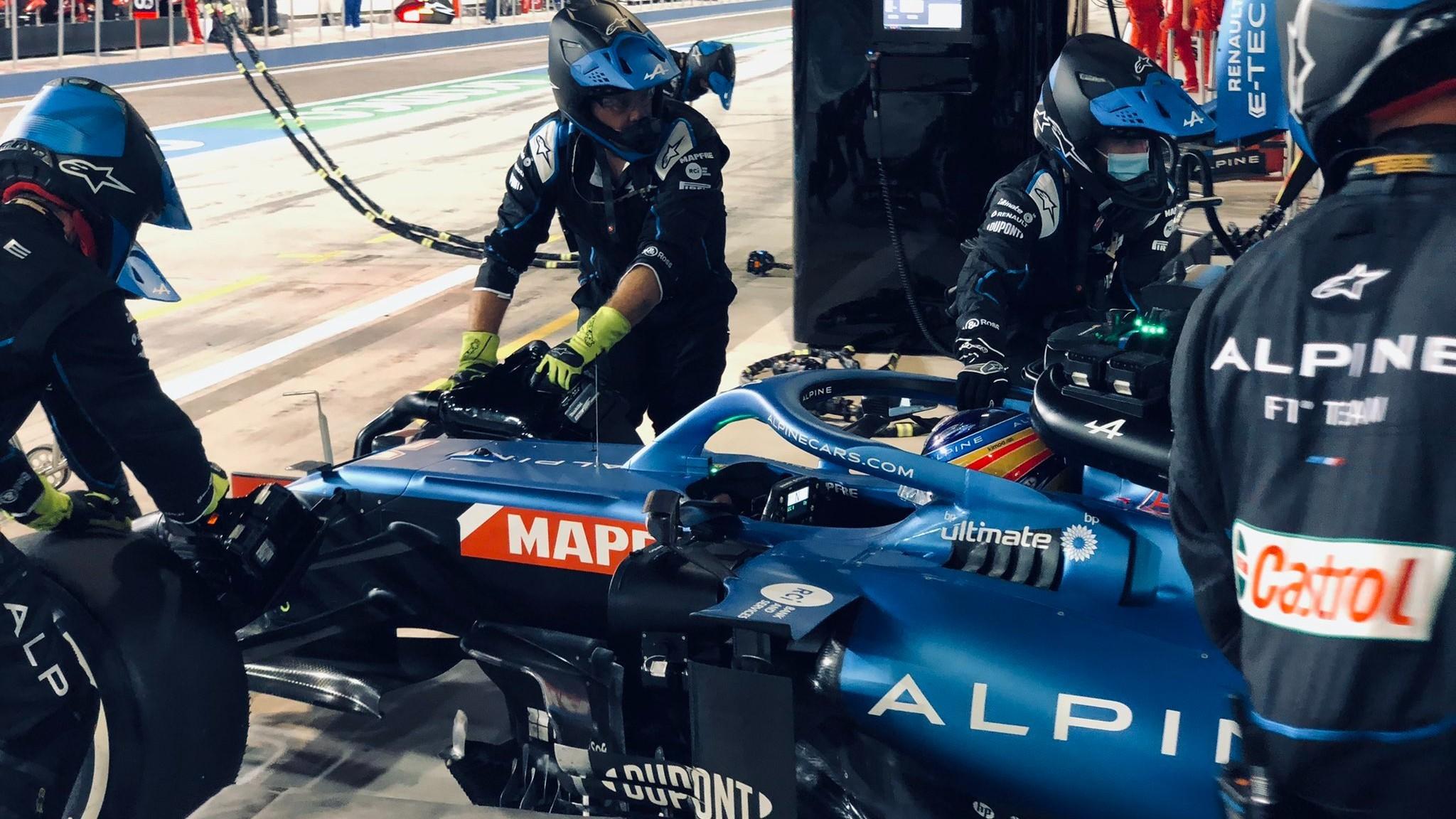 Fernando Alonso, durante el GP de Bahréin con el Alpine A521.