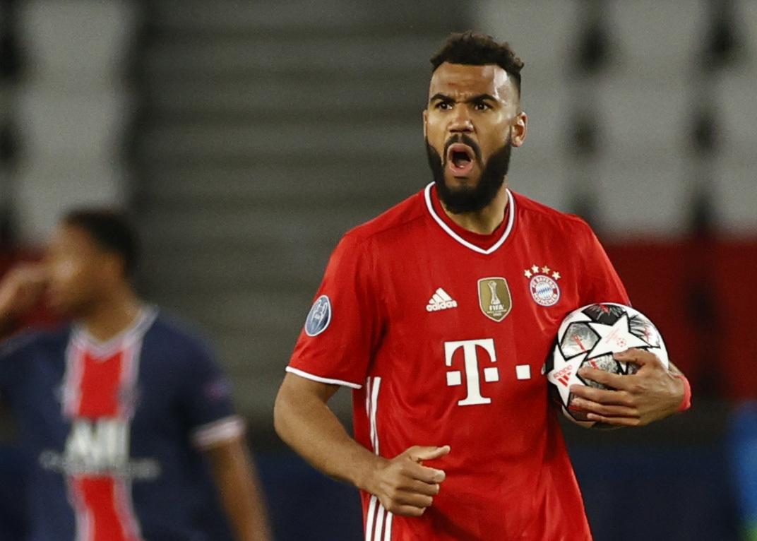 Choupo Moting anota el primer gol del partido