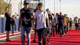 Carlos Sainz, junto a Felipe Massa, en 2016.
