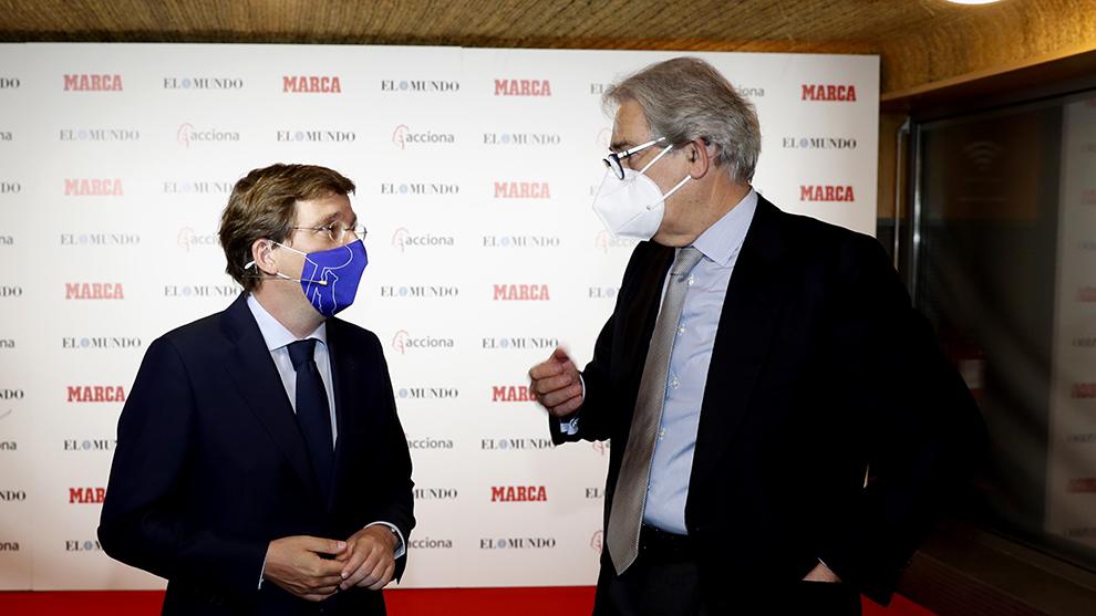 El alcalde de Madrid, Jose Luis Martínez-Almeida, junto a Antonio Fernandez Galiano