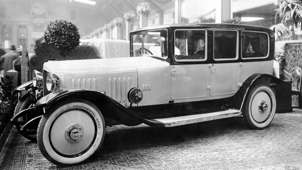 Un Maybach W3 en el Salón del Automóvil de Berlín de 1921.