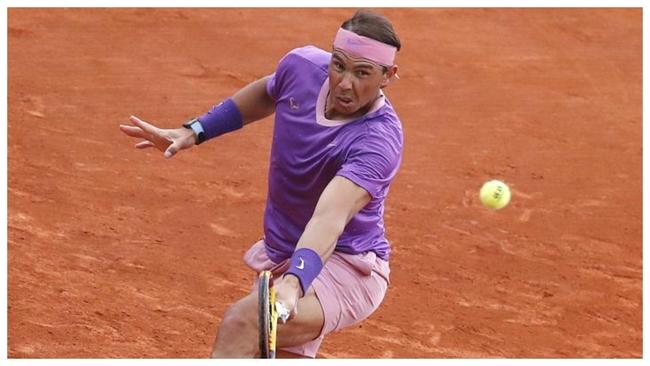 Rafa Nadal en su partido contra Delbonis en Montecarlo.