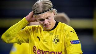 Haaland se lamenta tras la eliminación del Borussia Dortmund de la...