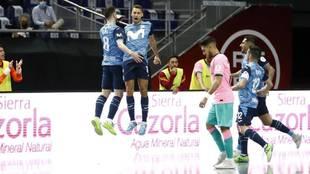 Pito iy Raya celebran uno de los goles del Movistar Inter