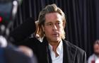 El actor Brad Pitt levanta las alarmas al salir en silla de ruedas de...