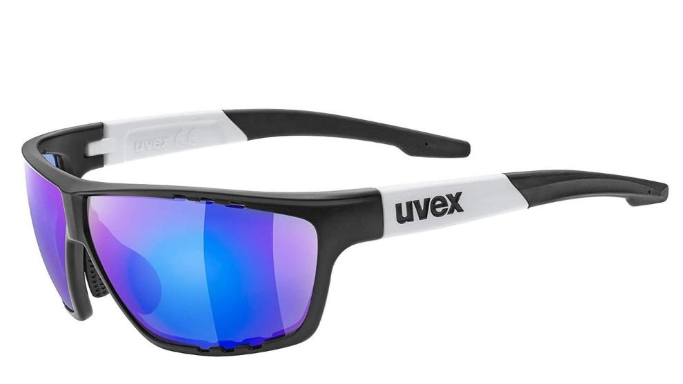 Un TRX, una linterna con infrarrojos, un maillot de ciclismo, un candado con contraseña y otros chollos de Amazon