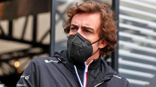 Alonso, durante la primera jornada de test hoy en Ímola.