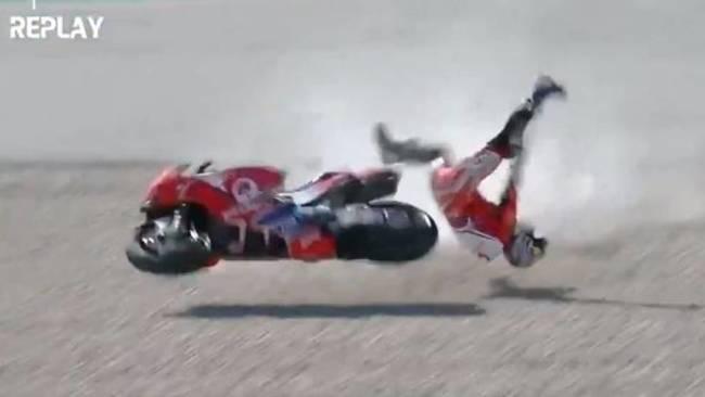 Márquez, a la Q1 y fuerte accidente de Jorge Martín