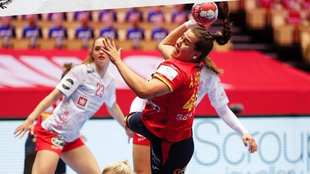 La pivote española Ainhoa Hernández lanza ante Dinamarca /