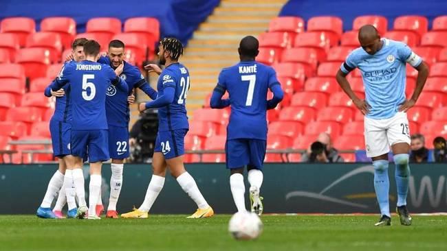 Ziyech celebrates his decisive goal.