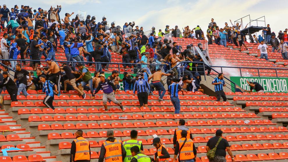 Aficionados del Querétaro y del San Luis se enfrentaron en el Alfonso Lastras en 2019.