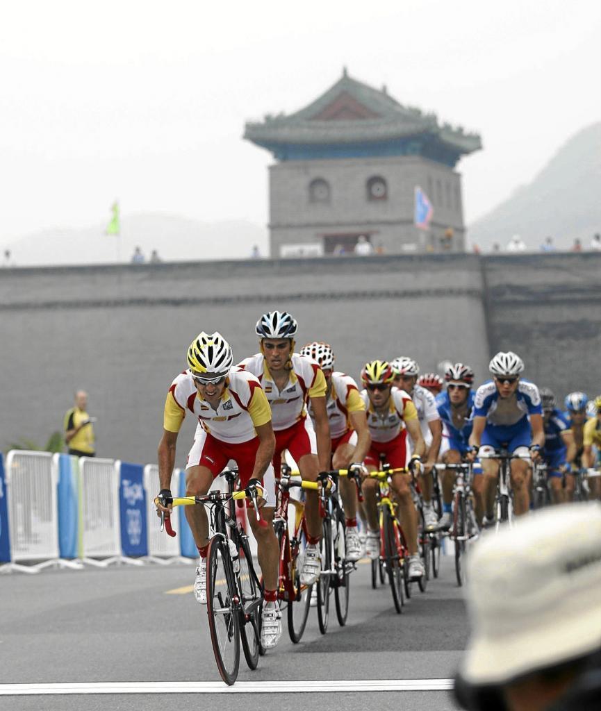 El equipo español encabeza el pelotón olímpico en Pekín