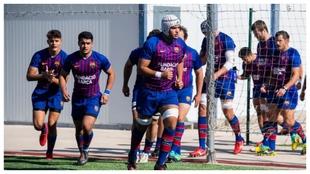 El Barça Rugby salta al terreno de juego en otro partido.