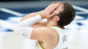 Luka Doncic se lamenta tras la derrota ante los Kings