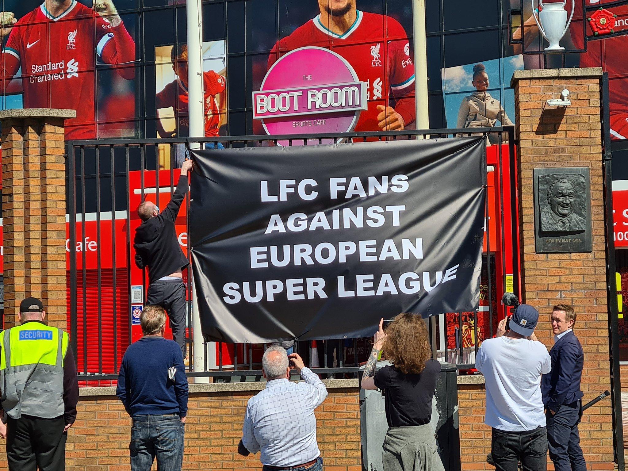 Fanoušci Liverpoolu nesouhlasí s ohlášením nové Superligy