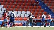 Luis César Sampedro, con el balón durante el Lugo-Sabadell en el...