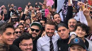 David Beckham, con aficionados del Inter de Miami