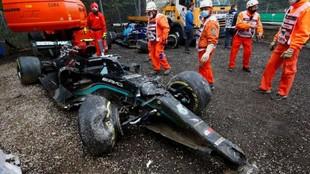 El Mercedes de Bottas, destrozado después de su accidente en Imola.