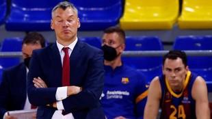 Sarunas Jasikevicius, con gesto contrariado durante el partido ante el...