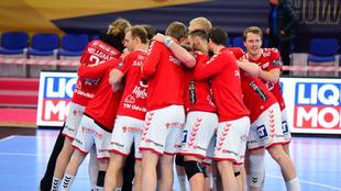 Los jugadores del Aalborg celebran una victoria /