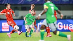 Juanfer Quintero, en el encuentro de Superliga china entre Shenzhen FC...