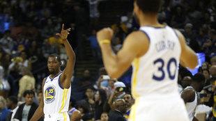 Kevin Durant y Stephen Curry en su etapa juntos en los Warriors