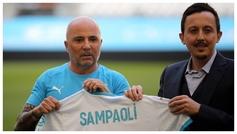 Jorge Sampaoli, en su presentación con el Marsella junto a Pablo...