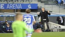 Imanol Alguacil da una consigna durante el partido ante el Celta.