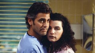 George Clooney y Julianna Margulies.