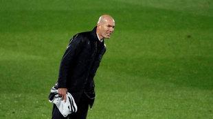 Zinedine Zidane, durante el partido ante el Betis