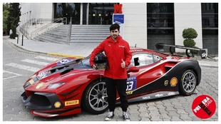 Administrativo, 28 años, se subió a un coche de carreras hace siete meses... y ya ha ganado en Monza con un Ferrari